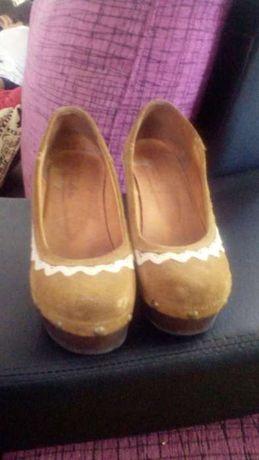 Sapatos Tapadas N. 37