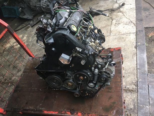 Мотор двигун двигатель Volvo v40 s40 1.9 DT clio kangoo megan laguna