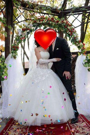 Продам свадебное платье цвета слоновой кости айвори 42