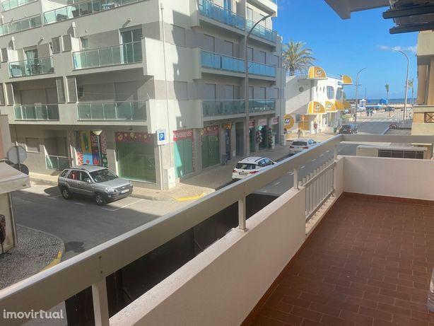 Apartamento T2 em Monte Gordo com vista mar e ao lado da praia
