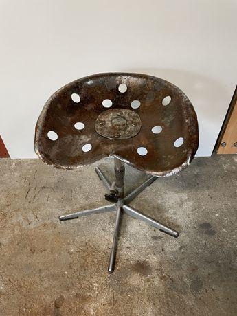Krzesło warsztatowe taboret