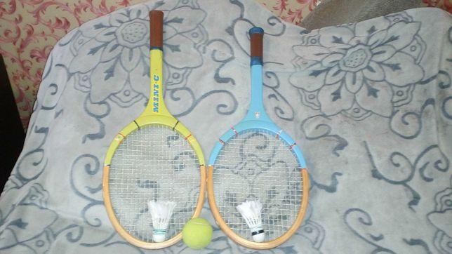 Большой теннис две ракетки и мячик состояние хорошее Б.У.