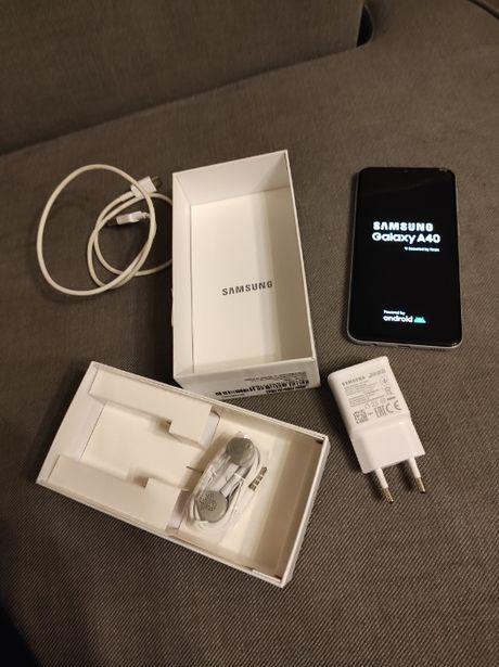 Samsung Galaxy A40 biały (pęknięty wyświetlacz)
