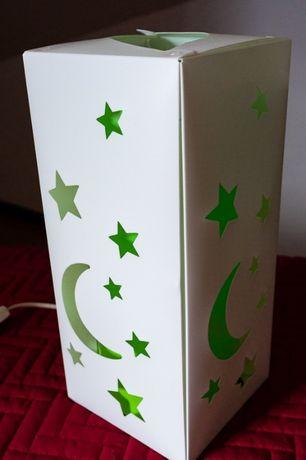 Candeeiro em plástico branco e verde