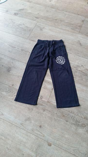 Spodnie dresowe rozmiar 122