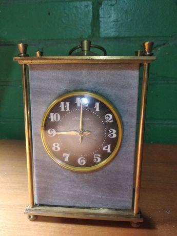 Продам часы мраморные