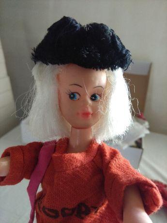 boneca de plastico