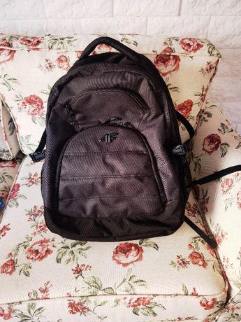 Plecak 4f - czarny i pojemny