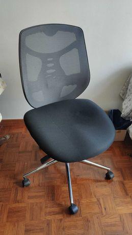 Cadeira ergonómica para escritório ou home office