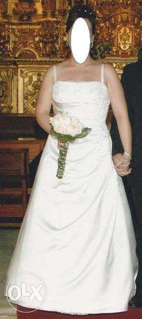 Vestido e sapatos de noiva