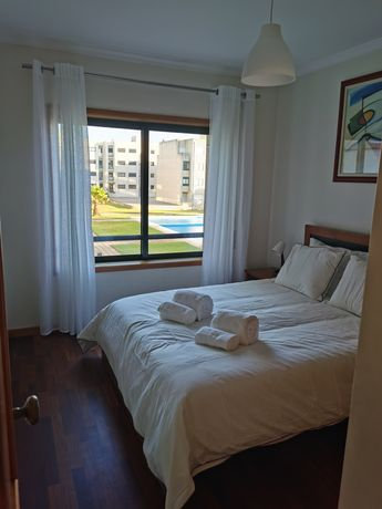 Apartamento Apúlia frente de praia em Cond. Fechado com Piscina