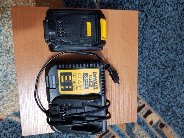 ПродамDeWALT в комплекте акб с зарядным 18V 4.0ah