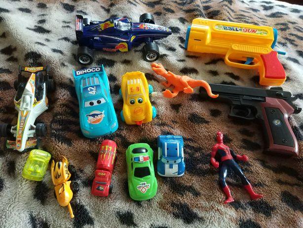 Отдам большой набор качественных игрушек для мальчика за 70 грн