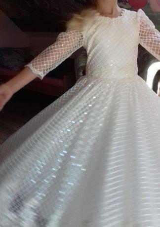 Sukienka dla dziewczynki na komunię roz. 134
