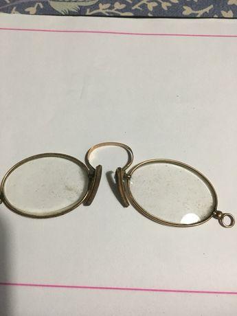 Oculos antigos em ouro
