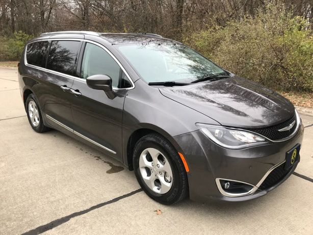 Продається Chrysler Pacifica 2017