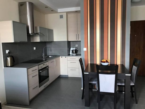 Mieszkanie 2-pokojowe, Osiedle Sybiraków. Blok z windą