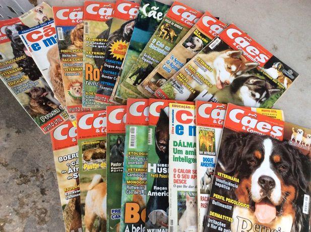 Revistas e livros sobre diversas raças de cães