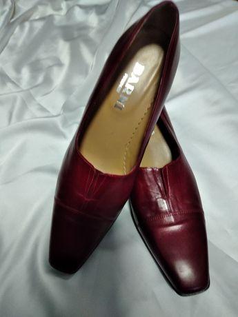 туфли женские бренд barni firenze . Р 39