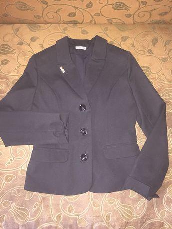 Продам школьный пиджак Suzie на рост 152см. для девочки