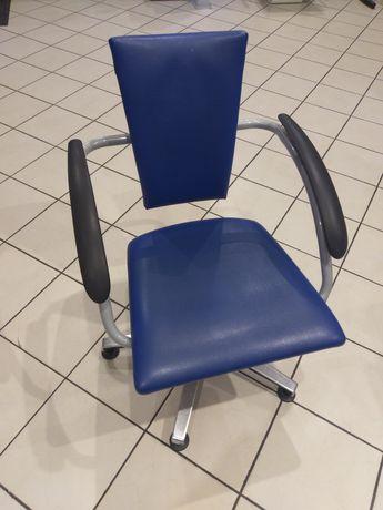 Fotel fryzjerski WELONDA (dwie sztuki)