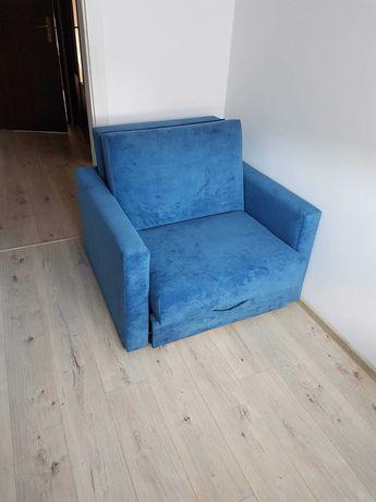 Fotel rozkładany.