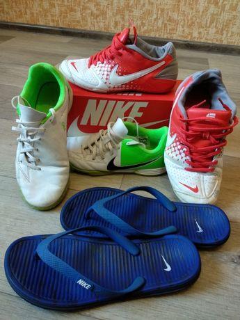 Футбольные кроссовки Nike, шлёпки Nike