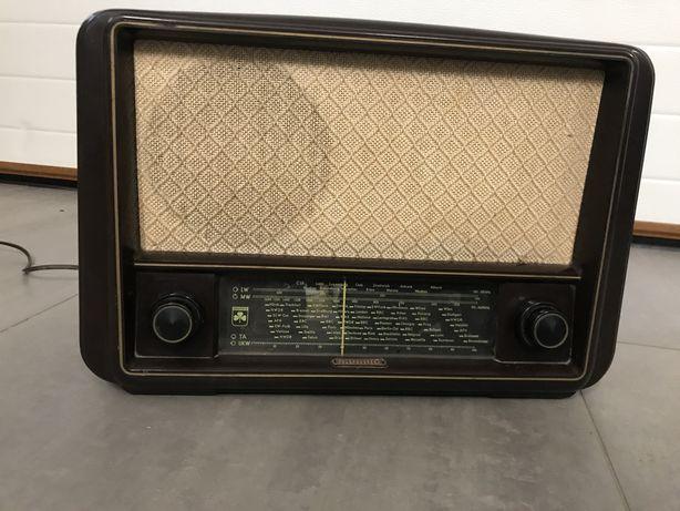 Zabytkowe radio Grundig 165 W