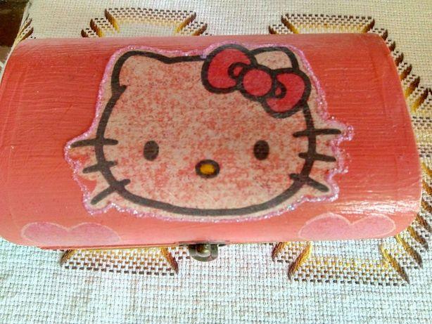 Caixa de Madeira Hello Kitty
