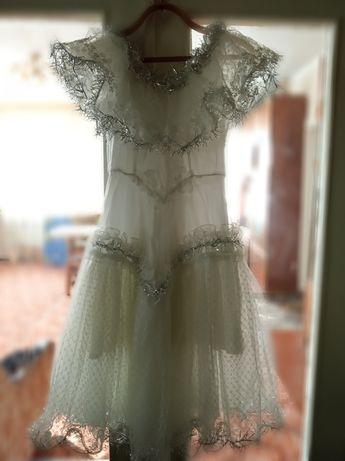 Зимнее, нарядное платье