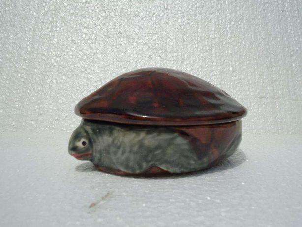 caixa em forma de tartaruga