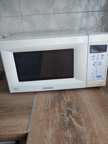 Mikrofalówka Samsung 100 procent sprawna