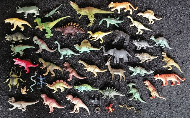Figurki dinozaurów - 40 sztuk