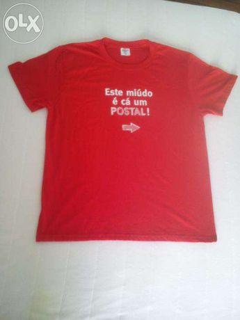"""T-shirt CTT """"Este Miúdo é Cá Um Postal"""" - Com Guitarra - Tamanho M"""