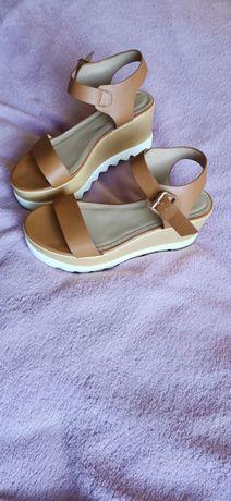 Sandały na koturnie - nowe, kupione w Grecji