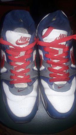 Продам кроссовки на парня