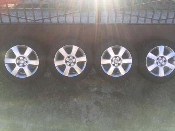Оригинальние диски с резиной Volkswagen