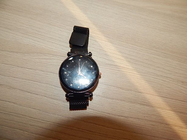 Годинник новий на магнітному брослеті