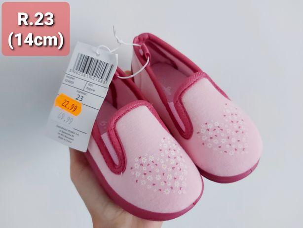 Nowe buciki dla dziewczynki