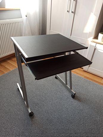 Biurko na kółkach pod laptopa