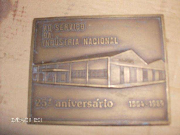 Medalha comemorativa de unidade fabril