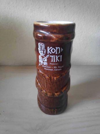 Antiga caneca em cerâmica