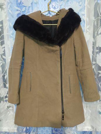 Пальто женское, утеплительное