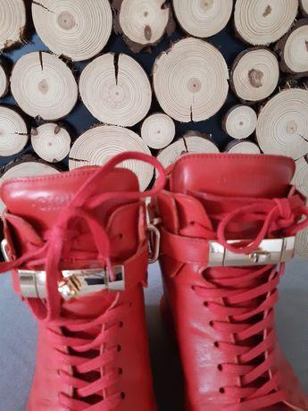 Sneakersy Carinii rozm.40