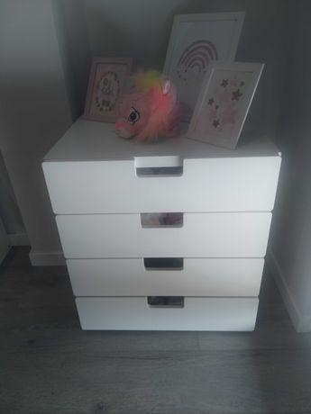 Cómoda/mesa cabeceira Stuva/smastad IKEA criança