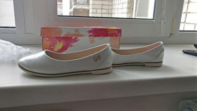 Туфли (р.31) белые
