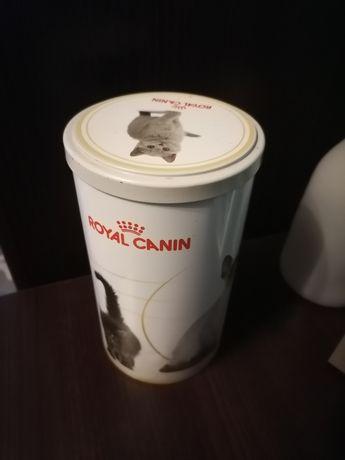 Puszka  pojemnik na karmę dla kota