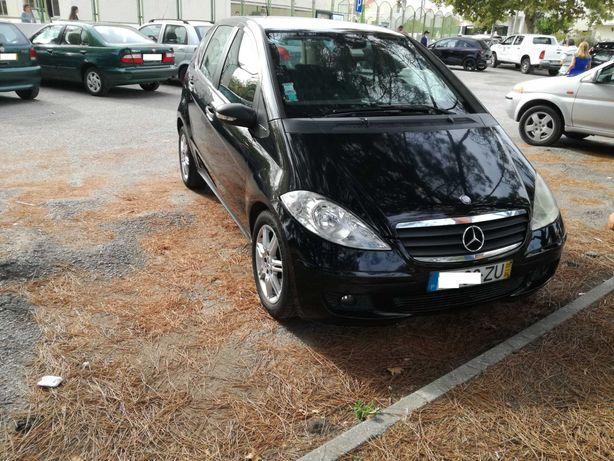 Mercedes A180 Preto