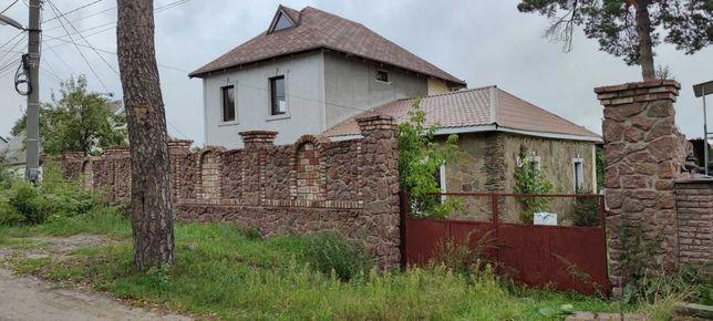 Продам 2 дома в Ирпене для 2х семей на 12.8 сотках