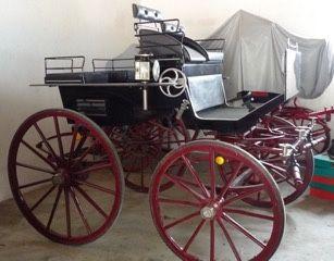 Charrete/Carro para Quatro ou dois Cavalos